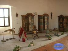 il bellissimo interno del castello di Pecka